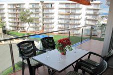 Apartamento con piscina en Rosas / Roses