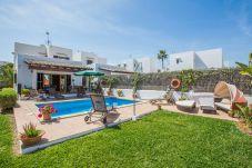 Villa en Cala d´Or a 1200 m de la playa