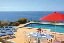 Villa en Cala Pi a 500 m de la playa