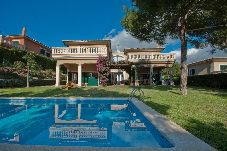 Villa en Cala Vinyes a 700 m de la playa