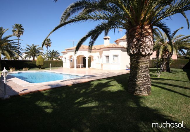 Villa con amplio jardín en Els Poblets - Ref. 76618-14