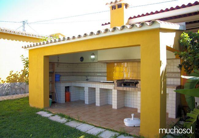 Villa en tranquilo residencial - Ref. 76508-9