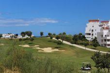 Apartamento en primera línea de campo de golf de Estepona