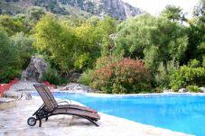 Apartamento con piscina en Grazalema