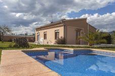 Villa con piscina en Jalón / Xaló
