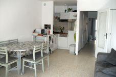Apartamento de 2 habitaciones a 500 m de la playa
