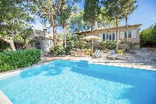 Villa con piscina en Mancor de la Vall
