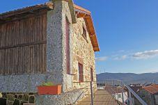Casa rural con parking en Montalegre