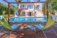 Villa en Moraira a 800 m de la playa