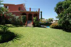 Villa en Nueva andalucia para 8 personas con 4 habitaciones