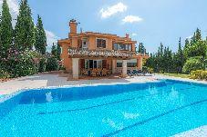 Villa con piscina en la zona de Son Sardina