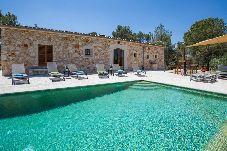 Villa en Sant Joan para 16 personas con 7 habitaciones