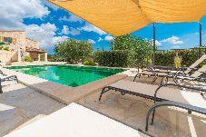 Villa en Sant Joan para 8 personas con 4 habitaciones