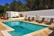 Casa con piscina en Santa Gertrudis