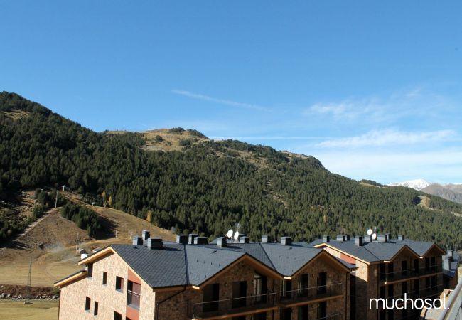 Complejo de estudios en Soldeu con bonitas vistas a la montaña - Ref. 114356-17