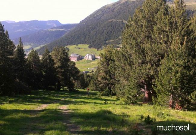 Complejo de estudios en Soldeu con bonitas vistas a la montaña - Ref. 114356-22