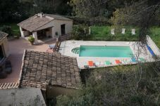 Villa con piscina en Velaux