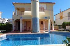Villa con piscina en la zona de Quarteira